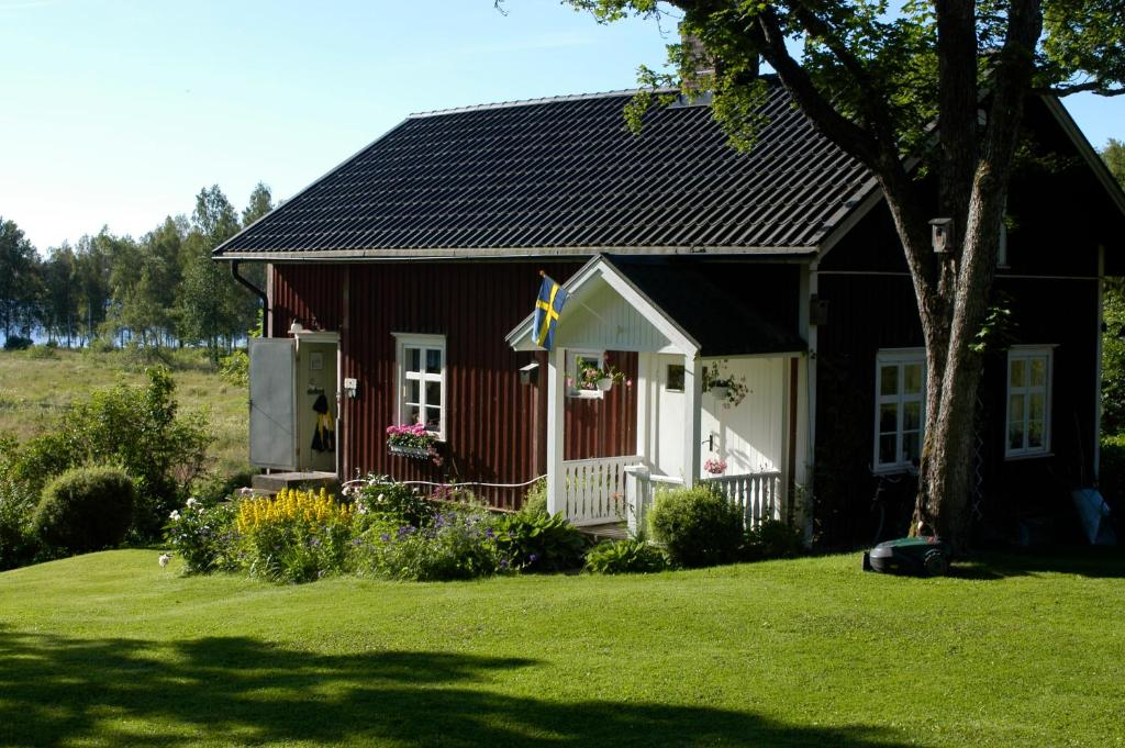 Vacation Home Hole Nystugan, motfors, Sweden - Booking