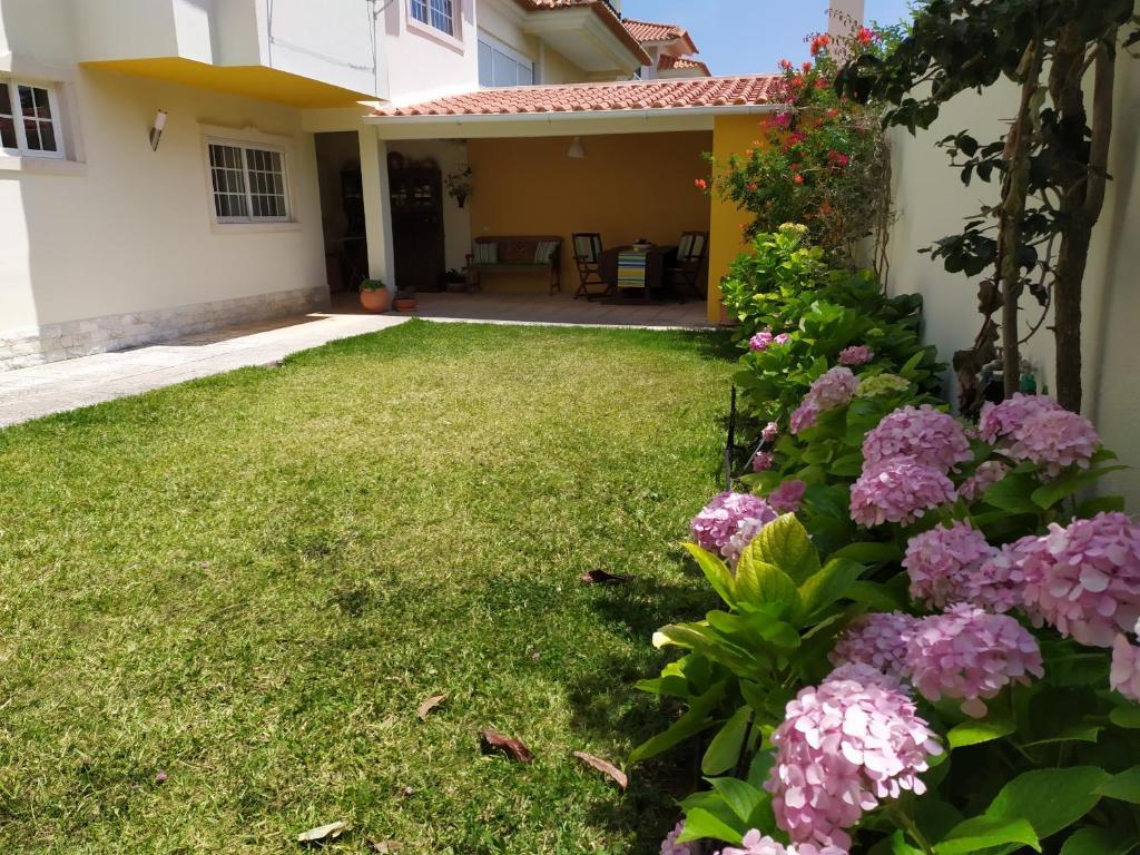 A garden outside Casa do Bugio