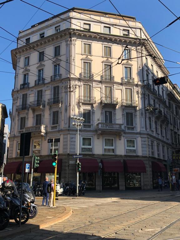 Hotel La Madonnina Milan Italy Booking Com
