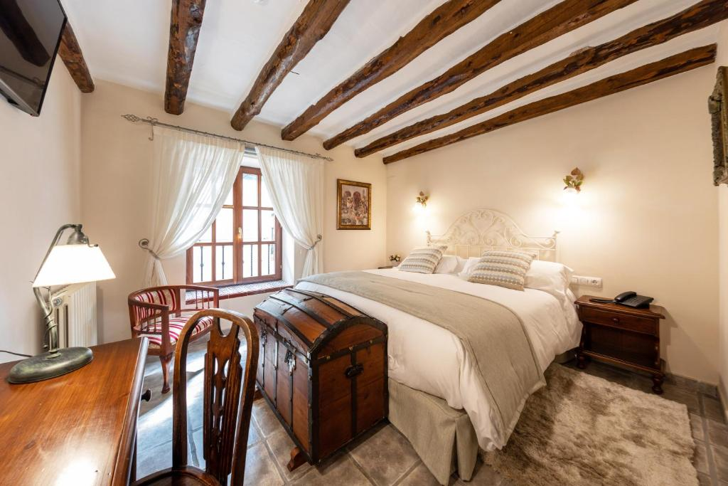 boutique hotels in alcoy  12