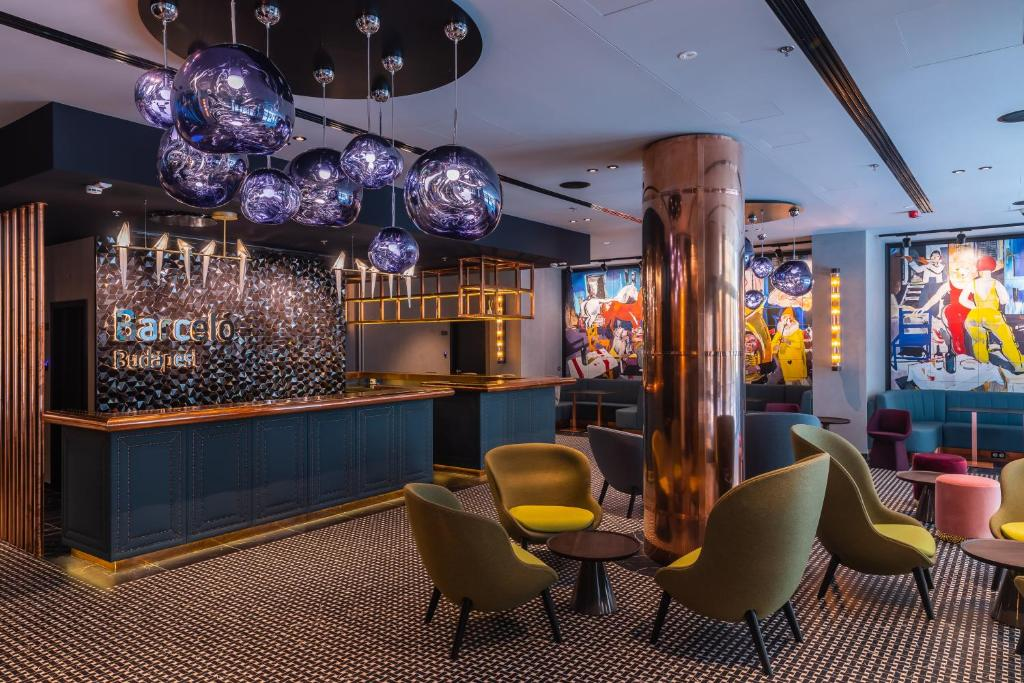 The lounge or bar area at Barceló Budapest