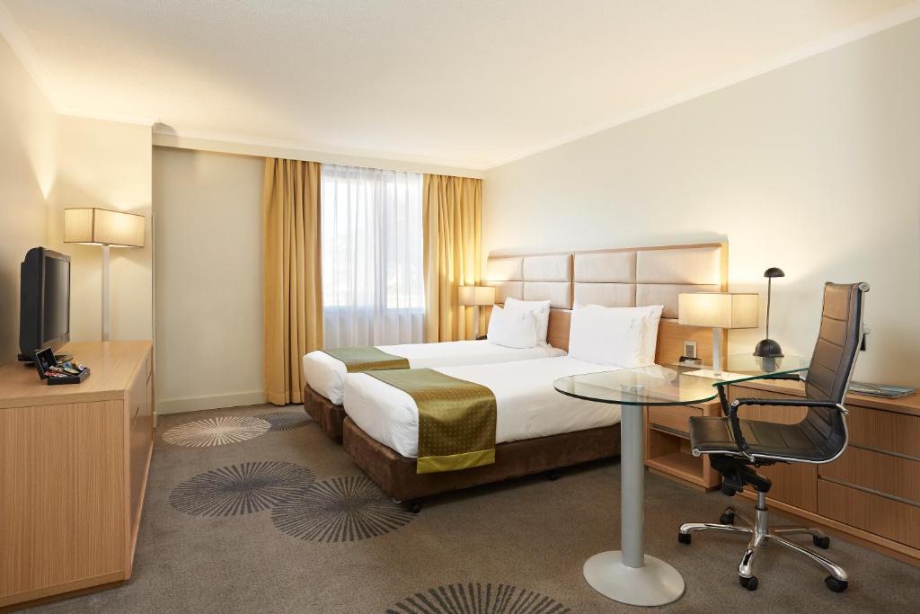Katil atau katil-katil dalam bilik di Holiday Inn Parramatta