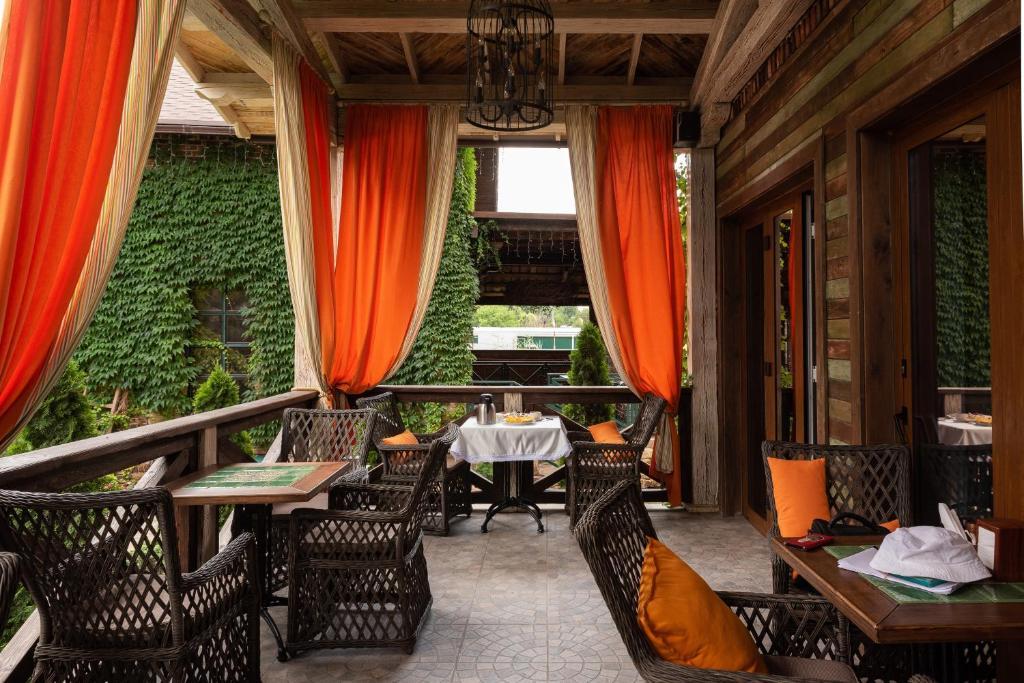 Ресторан / где поесть в Rasslabonov Country Home