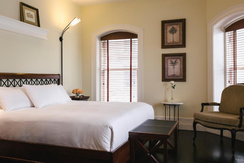 Cama ou camas em um quarto em Hotel Place D'Armes