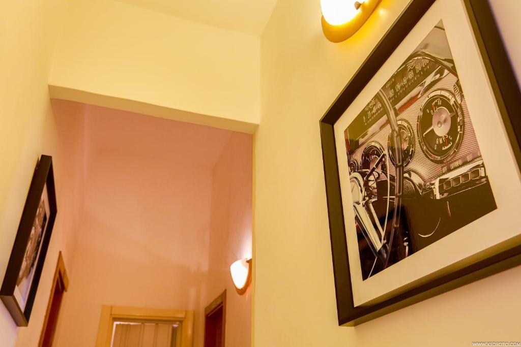 Gordon's Apartment