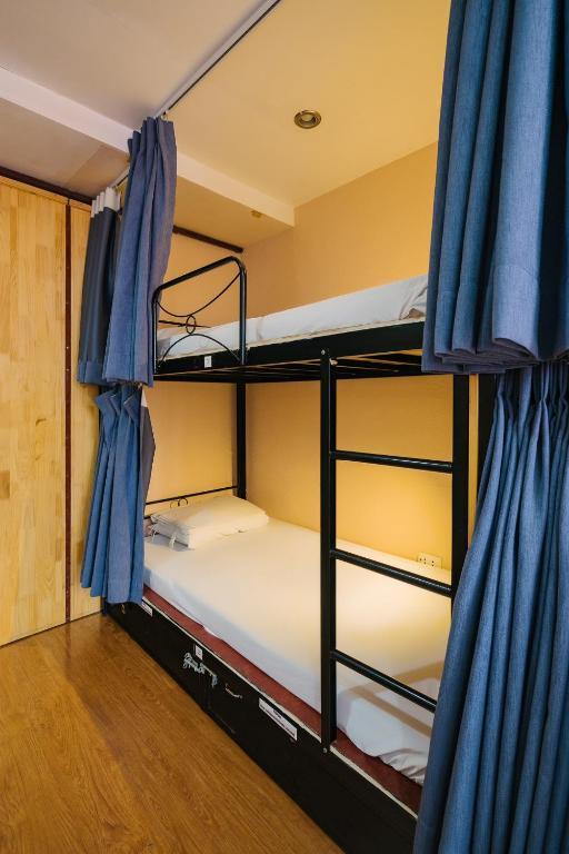 Giường Trong Phòng Ngủ Tập Thể Nữ 6 Giường