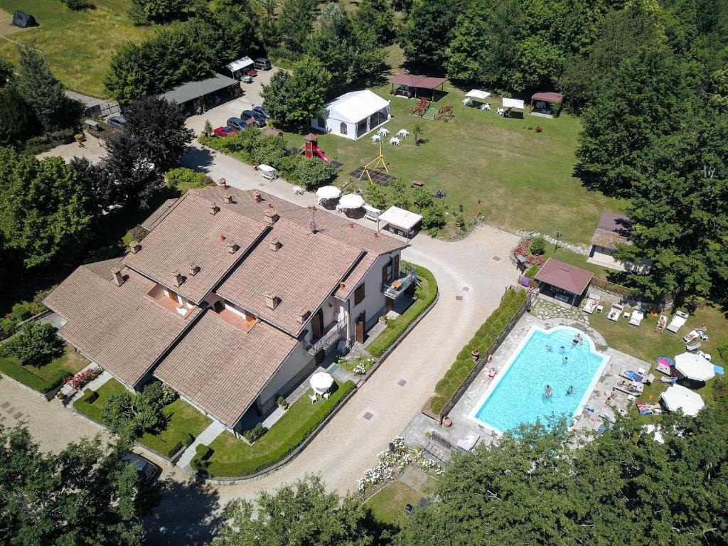 Vista aerea di Borgo Caiano Country Inn