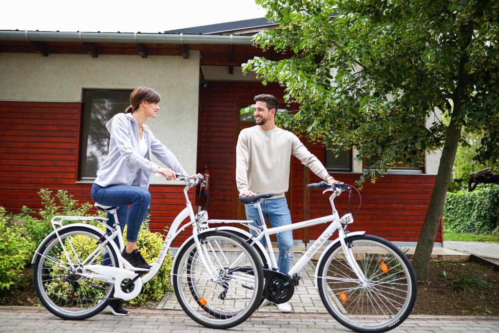 Jazda na bicykli v okolí ubytovania Barack Thermal Resort Apartments