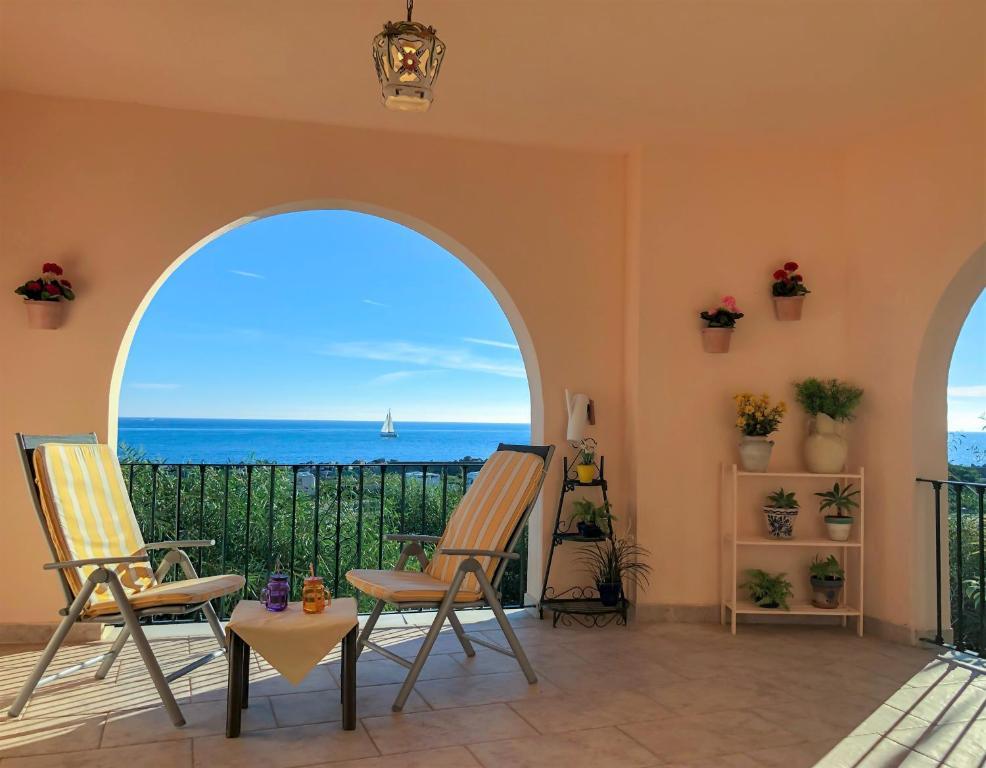 Supersol Muebles De Jardin.Estepona Seafront Apartment Estepona Precios Actualizados