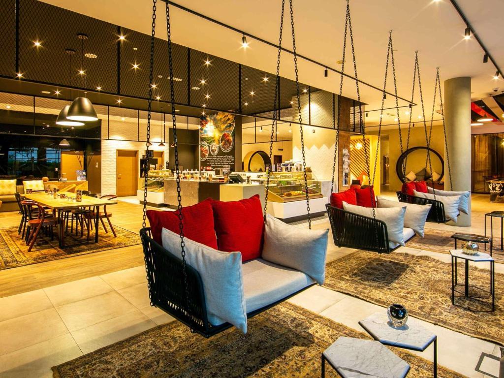 Reštaurácia alebo iné gastronomické zariadenie v ubytovaní Ibis Al Barsha
