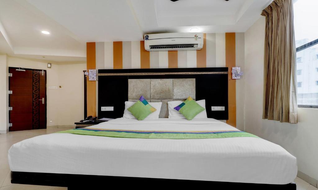 OYO Premium Medical Square Nagpur