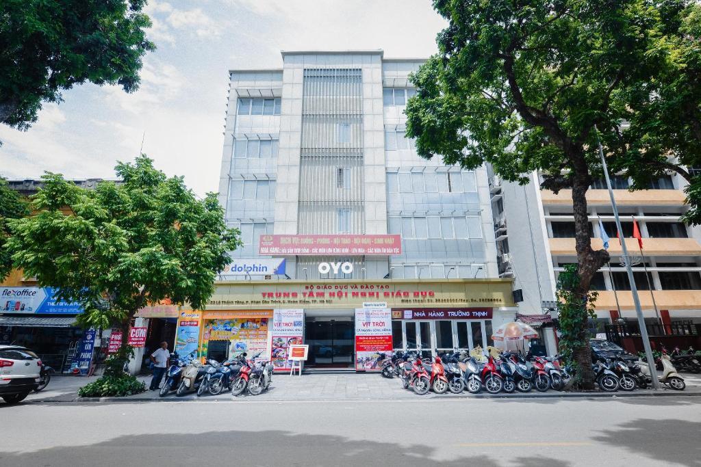 OYO 269 MOET Hotel