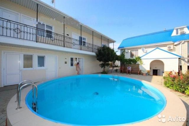 The swimming pool at or close to Guest House on Limannaya 4