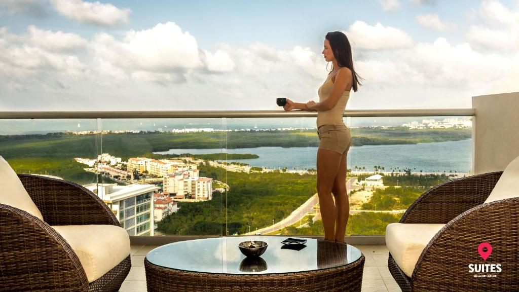 Guests staying at Suites Malecon Cancun