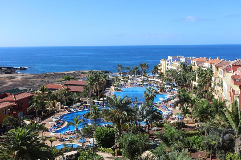 A view of the pool at Bahia Principe Sunlight Costa Adeje or nearby