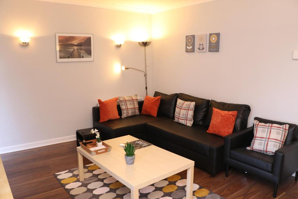 A seating area at Jesmond Park Apartment