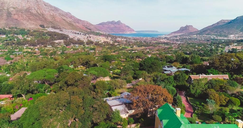 A bird's-eye view of Queen Julie Lodge Hout Bay