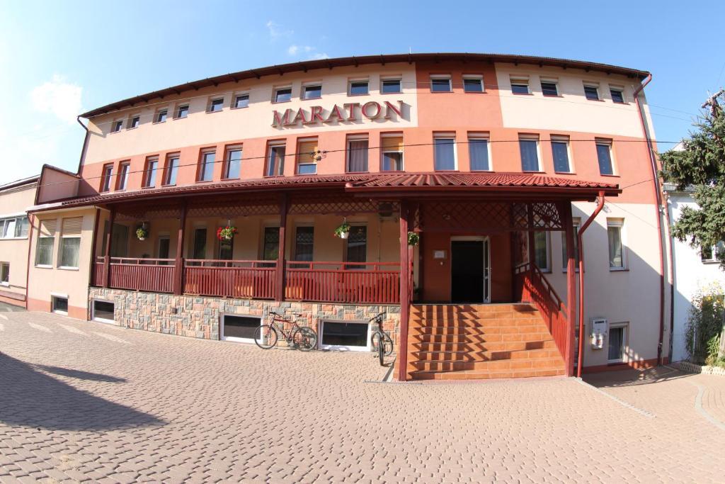 Budynek, w którym mieści się ośrodek wypoczynkowy