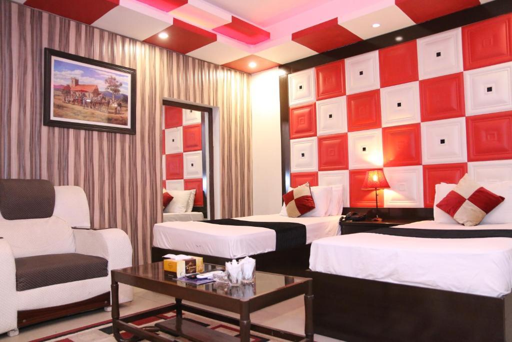 Gulberg Continental Hotel
