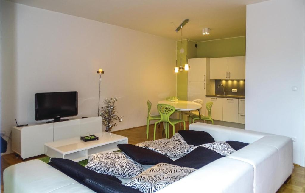A bed or beds in a room at One-Bedroom Apartment in Bohinjska Bistrica