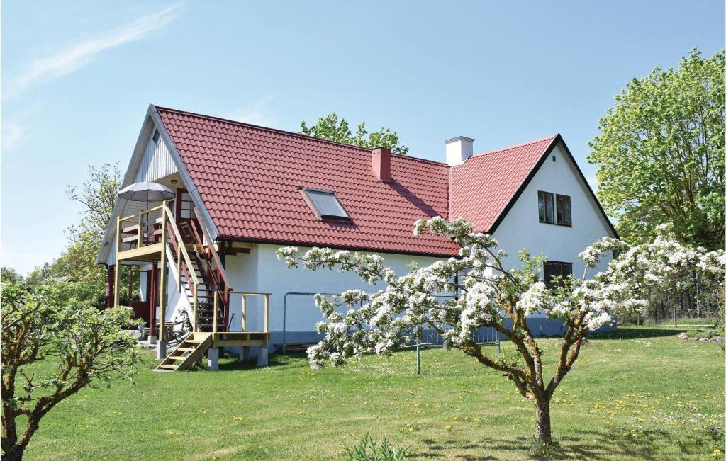 Charmig grdsstuga i Lrbro 25kvm - Guest houses - Airbnb