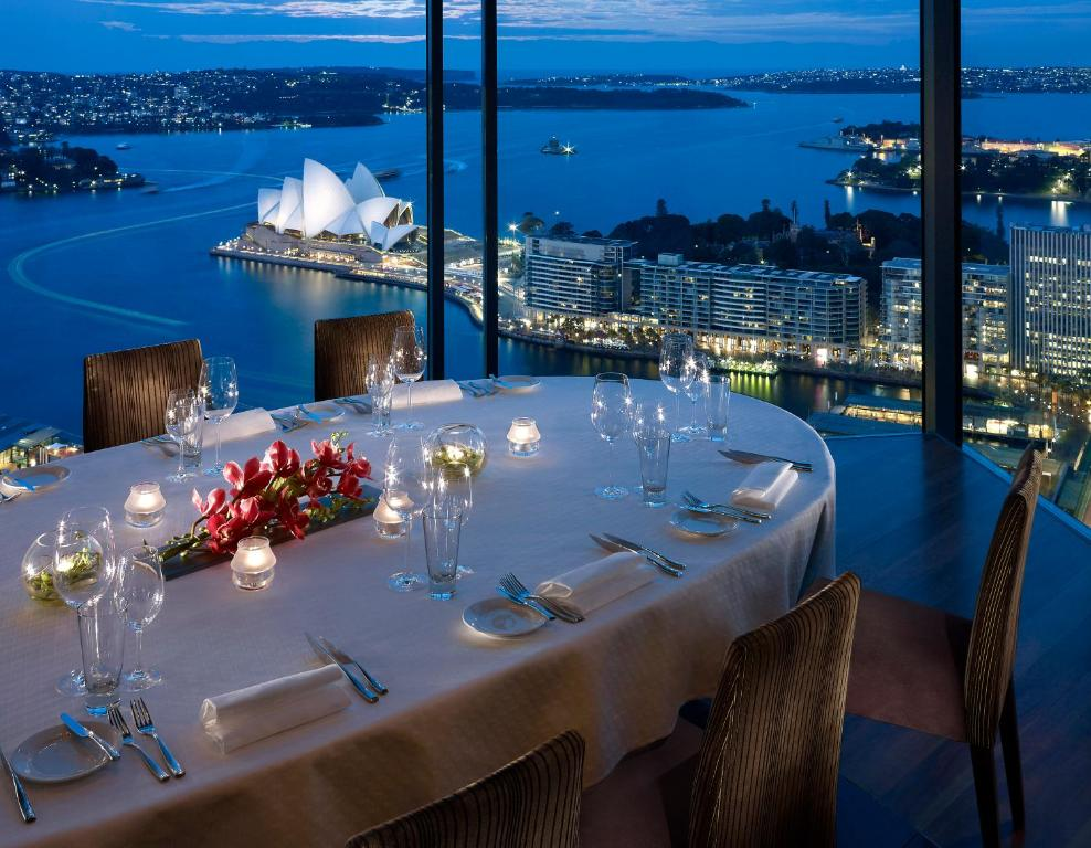 A restaurant or other place to eat at Shangri-La Hotel Sydney