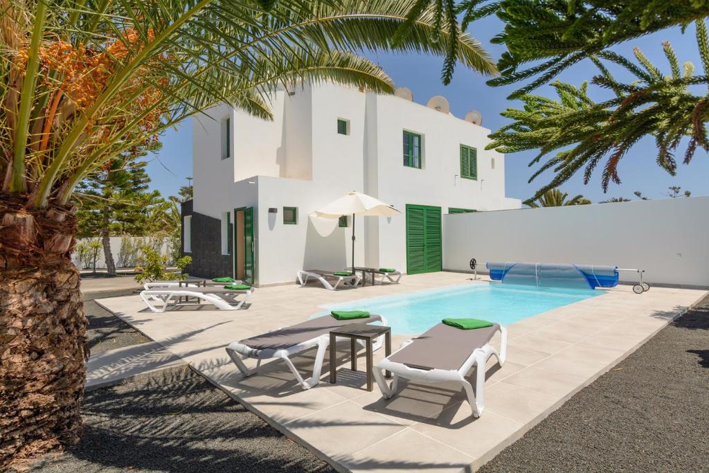 Villa Amanecer II con piscina climatizada y wifi gratis ...