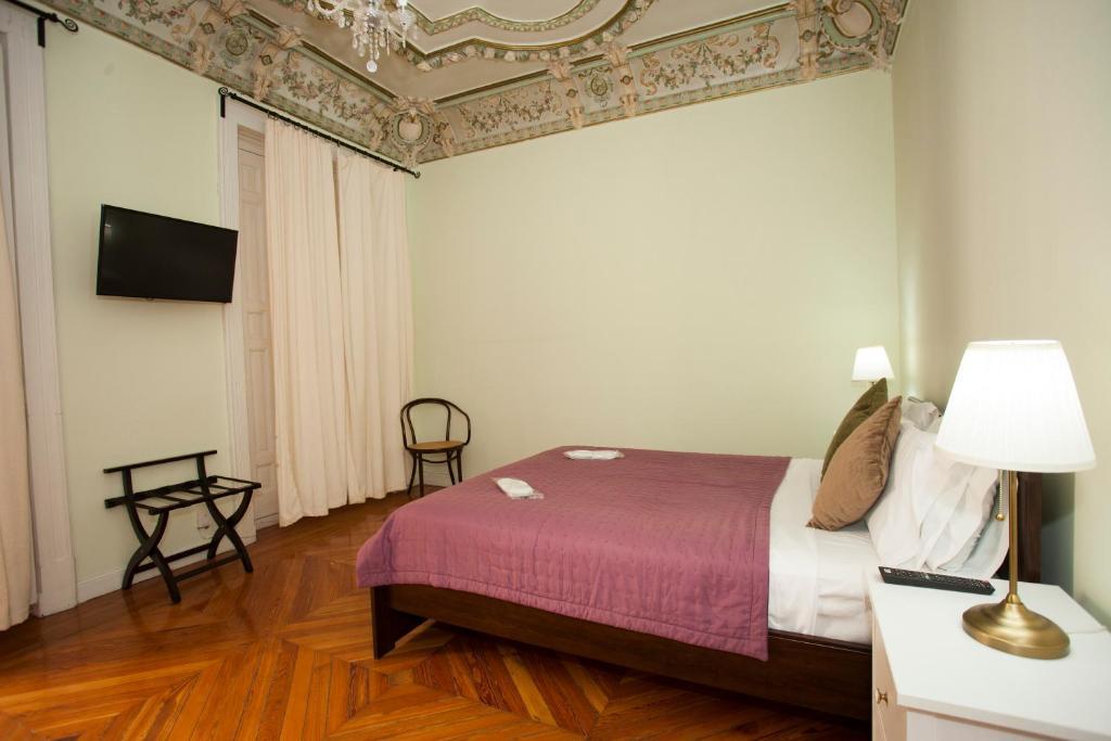 RH Rooms