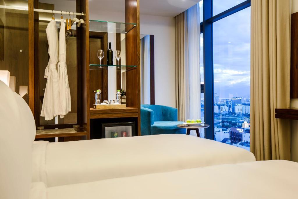 Phòng Deluxe 2 Giường Đơn Nhìn Ra Góc Biển - Kèm Trà Chiều