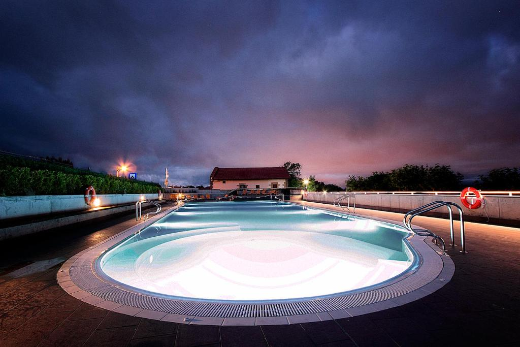The swimming pool at or near Camping Bungalows Igueldo San Sebastián