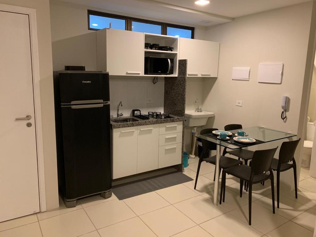 A kitchen or kitchenette at Pousada Flat Hotel Bairro Torre em Recife