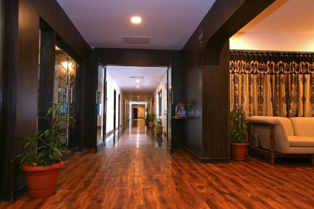 Hotel Shantiidoot, Dadar, Mumbai, India - Booking com