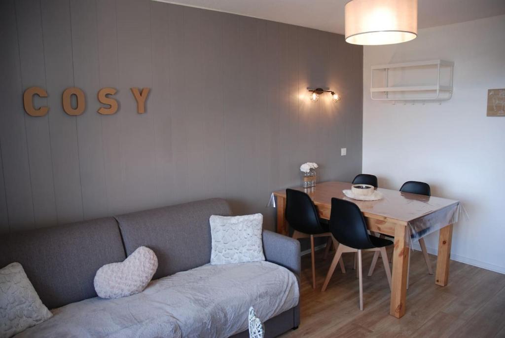 Apartment Charmant Studio Chamrousse France Bookingcom