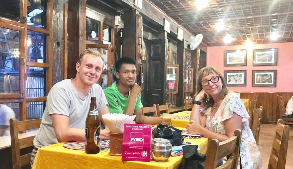 100 besplatnih stranica za upoznavanje u Nepalu