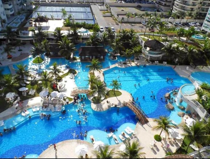 Uma vista da piscina em Bora Bora Resort Barra da Tijuca ou nos arredores