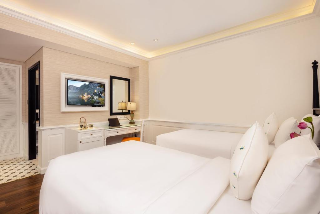 Phòng Deluxe 2 Giường Đơn Không Có Cửa Sổ - Bao Gồm Bể Jacuzzi & Phòng Xông Hơi Khô Trên Sân Thượng