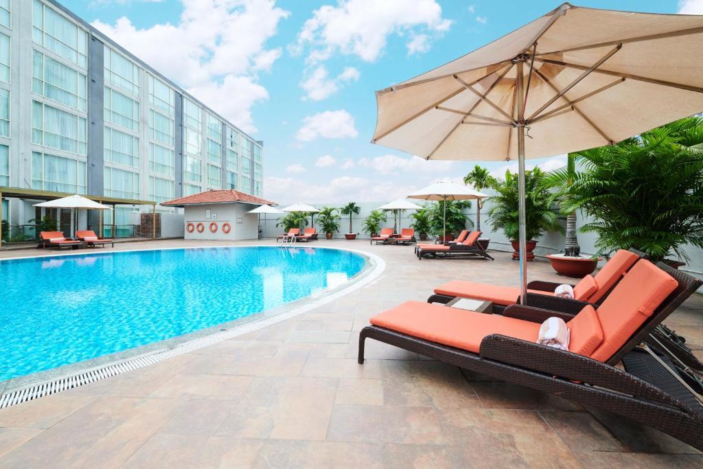 Khách sạn Eastin Grand Saigon