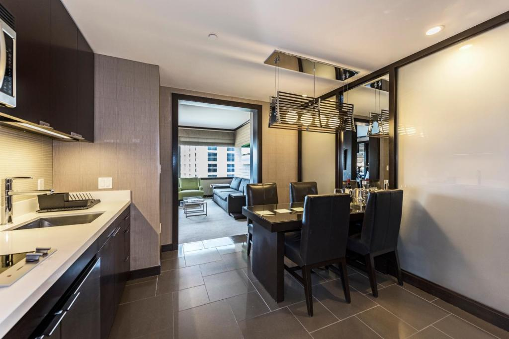 A kitchen or kitchenette at StripViewSuites at Vdara