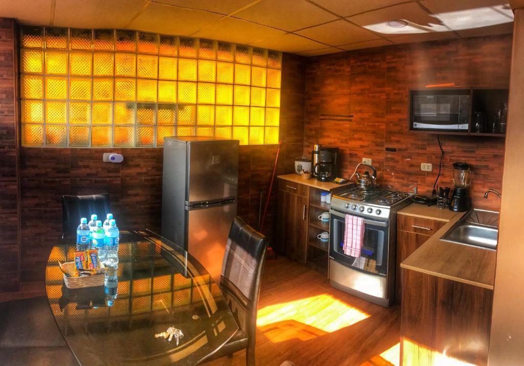 Una cocina o zona de cocina en Del Niño Apartment II, Best location in Cusco
