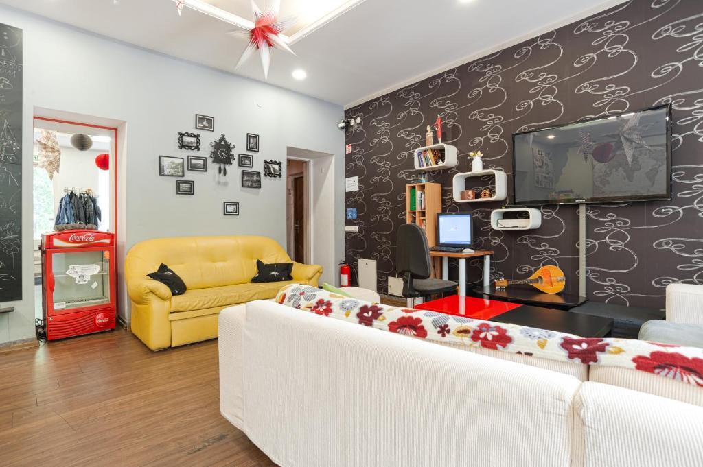 Зона вітальні в Pogo Hostel