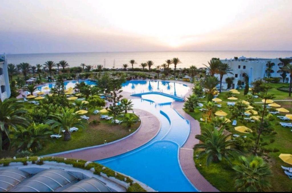 A view of the pool at Hôtel Mahdia Beach & Aquapark or nearby