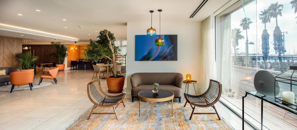 Carlton Tel Aviv Hotel (Israel Tel Aviv) - Booking.com