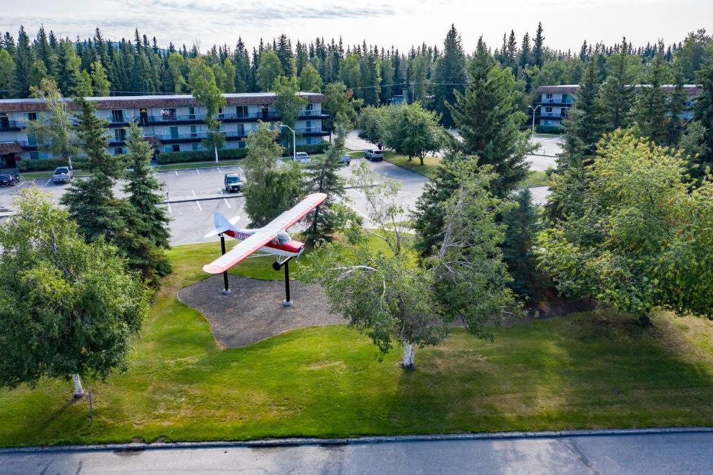 Wedgewood Resort, Fairbanks, AK - Booking.com