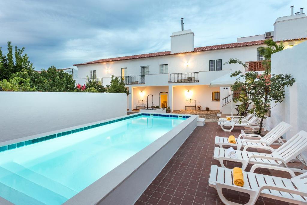 A piscina em ou perto de Hospedaria da Roda