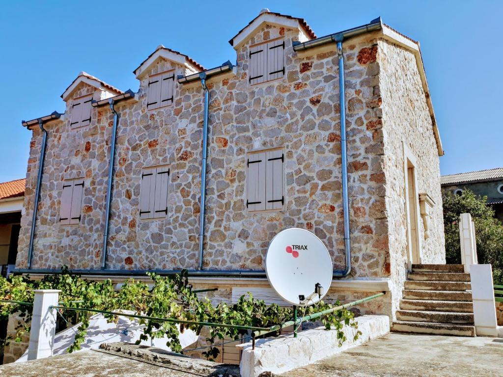 Kamena kuća Roko