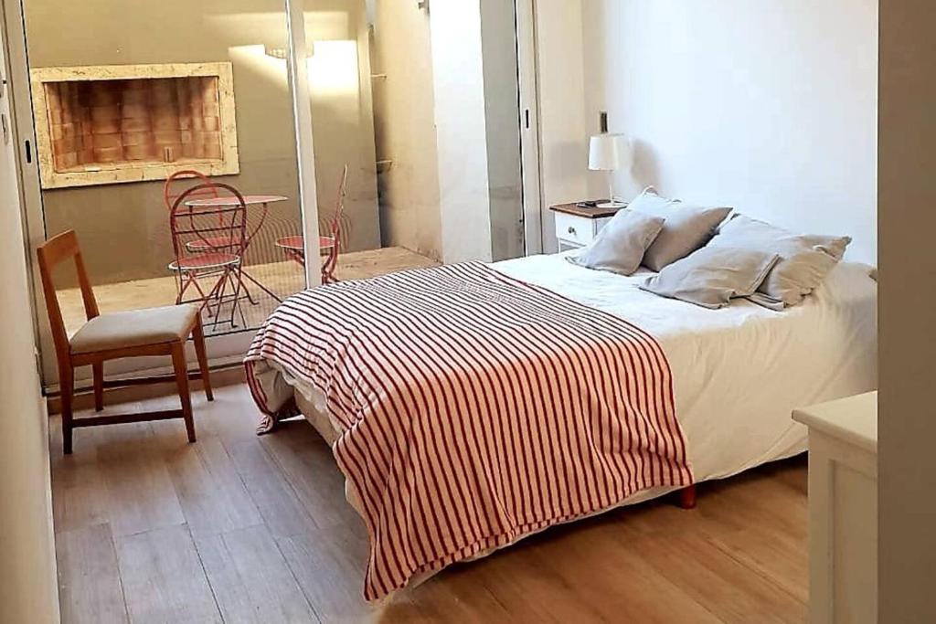 Apartment Amplio Departamento. 3 cuartos, 2 baños, cocina ...