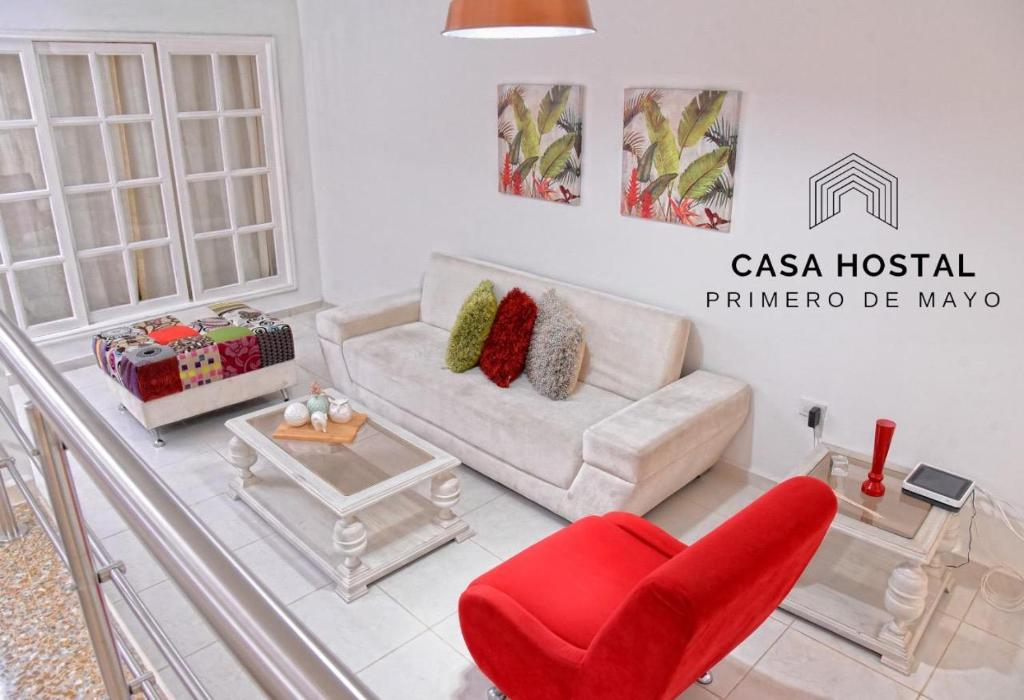 A seating area at Casa hostal primero de mayo