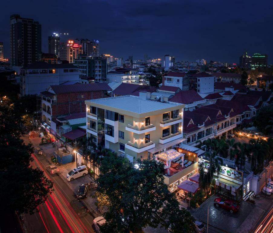 Model Hooker in Phnom Penh