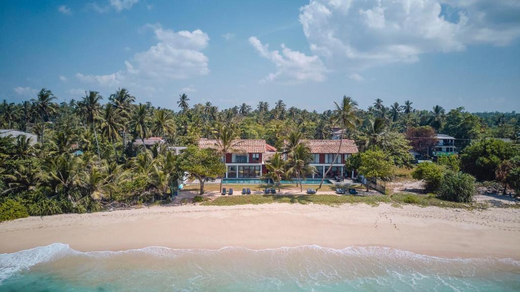 Ubuntu Beach Villas by Lantern
