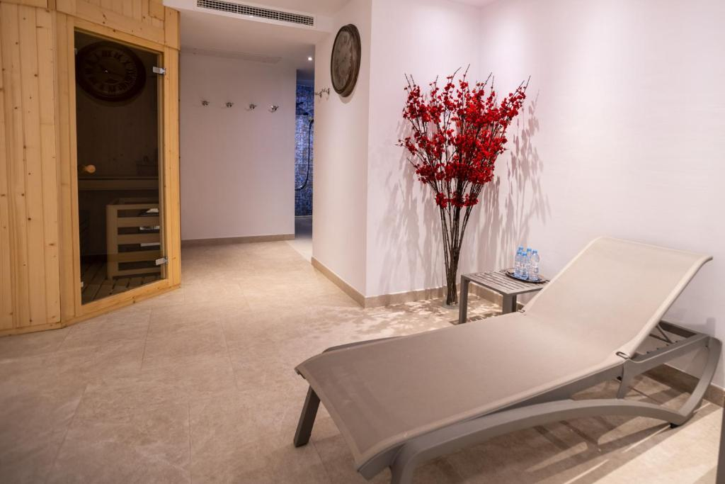 boutique hotels valderrobres  25